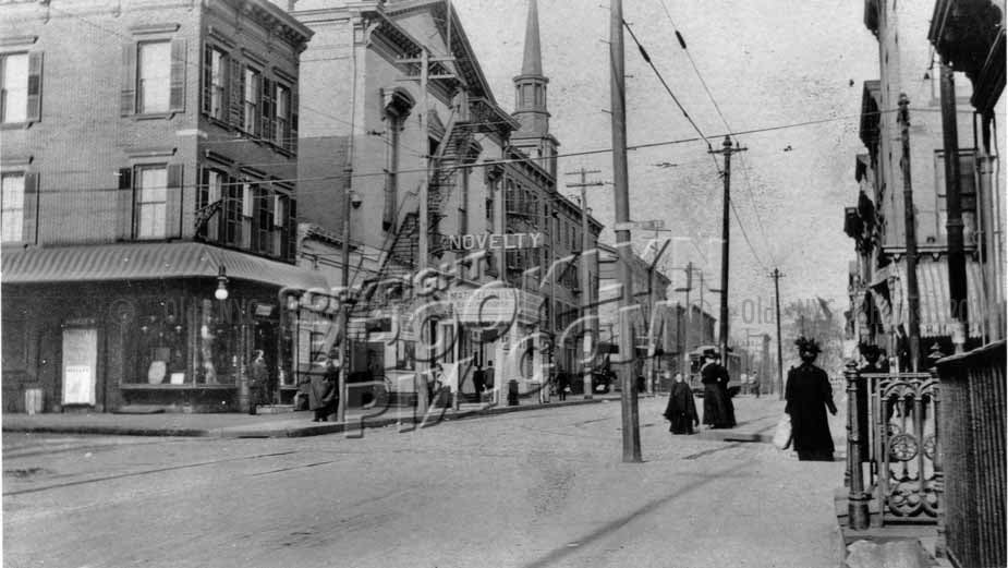 Novelty Theater, Driggs Avenue between South 4th and South 3rd Streets, 1900 Old Vintage Photos and Images