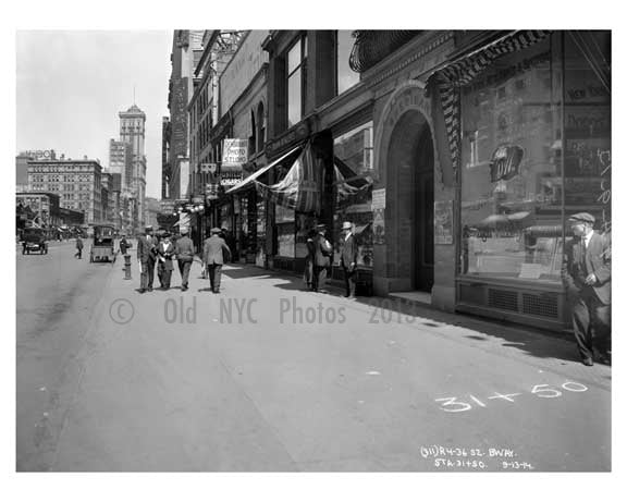 On Broadway looking in the distance at the Times Bldg - Midtown Manhattan - NY 1914 A Old Vintage Photos and Images
