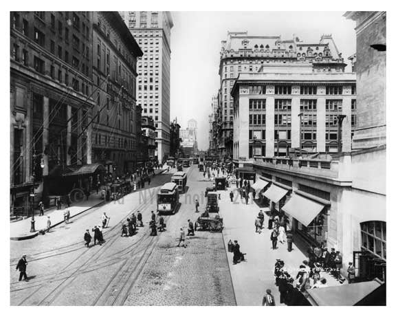 Outside of Grand Central - 42nd Street & Vanderbilt Ave - Midtown -  Manhattan 1913 Old Vintage Photos and Images