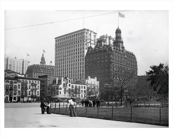 People Strolling through Battery Park  - Early 1900s Lower Manhattan