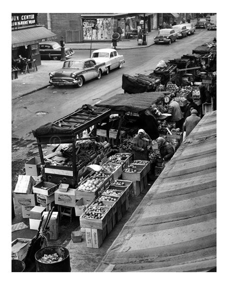 Pushcart market on Belmont Avenue Old Vintage Photos and Images