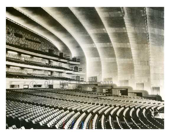 Radio City Music Hall -  Manhattan 1932 - NYC Old Vintage Photos and Images
