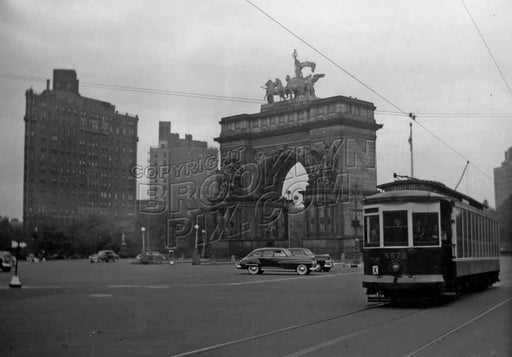 Scene at Grand Army Plaza, c.1950 Old Vintage Photos and Images