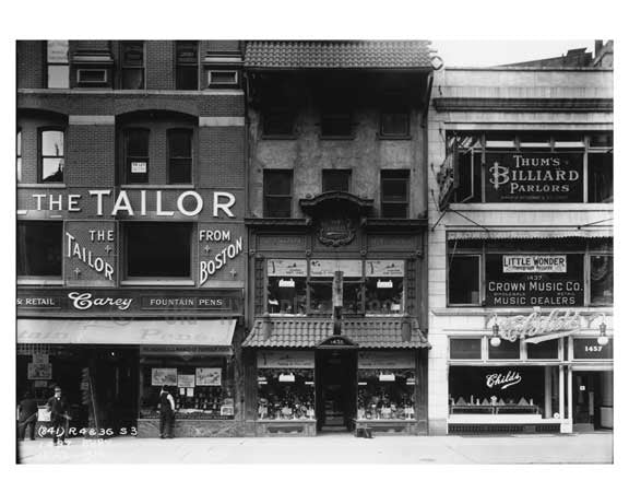 Shopfronts on Broadway - Midtown Manhattan - 1915 Old Vintage Photos and Images