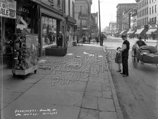 Smith Street south to Bergen Street, 1928 Old Vintage Photos and Images