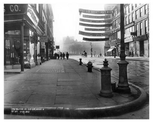 Southeast corner of Broadway & 18th Street - Flatiron District  NY 1915 Old Vintage Photos and Images