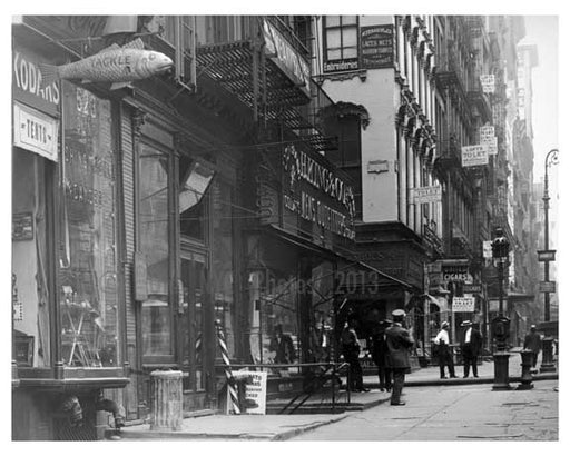 Spring Street & Broadway  1912 - Soho Downtown Manhattan NYC D Old Vintage Photos and Images