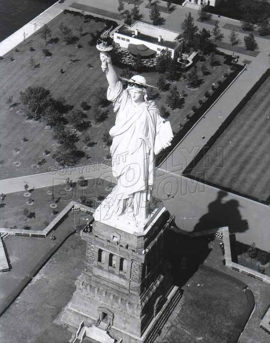 Statue of Liberty, c.1970 Old Vintage Photos and Images