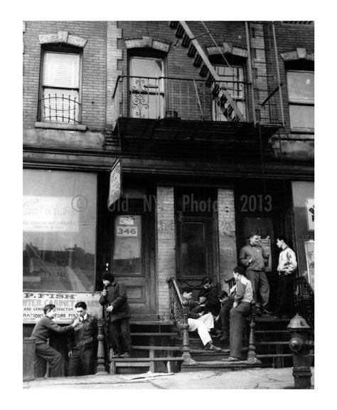 Stoop Kids - Brooklyn NY Old Vintage Photos and Images