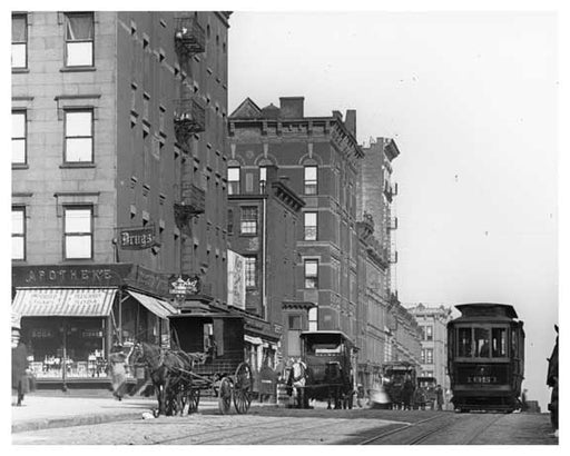 Traffic at Lexington Avenue & 92nd Street 1911 - Upper East Side, Manhattan - NYC Old Vintage Photos and Images