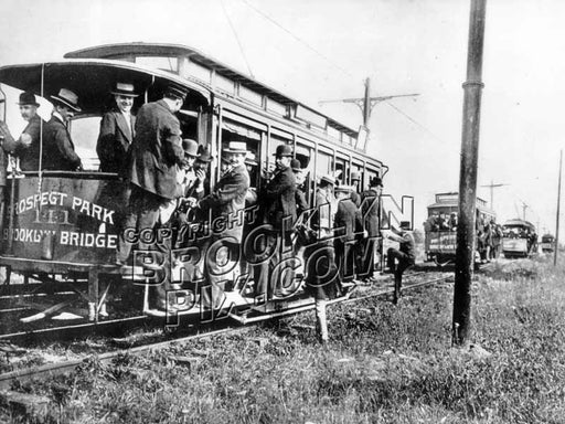 Trolleys bound for Coney Island, 1898 Old Vintage Photos and Images