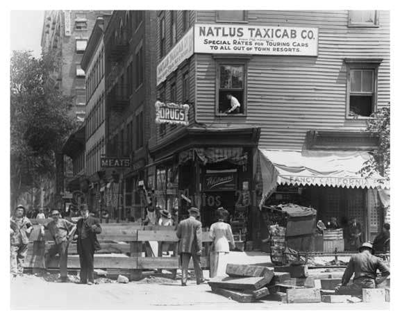 Upclose corner view of 110th Street & Broadway - Upper West Side - New  York, NY 1910