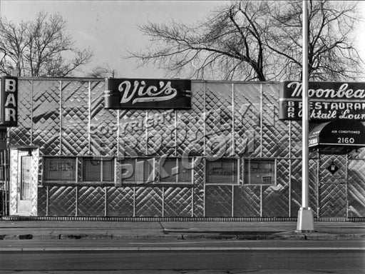 Vic's Moonbeam Cocktail Lounge, 2160 Flatbush Avenue near Quentin Road, 1974. Photo courtesy Paul Kopelow Old Vintage Photos and Images