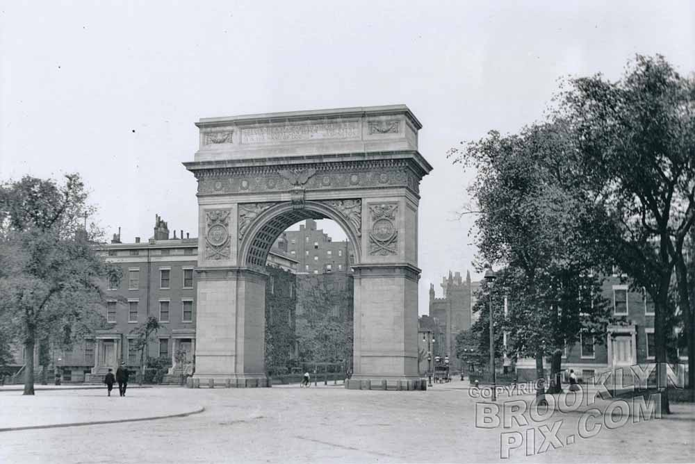 Washington Square Arch, c.1900 Old Vintage Photos and Images