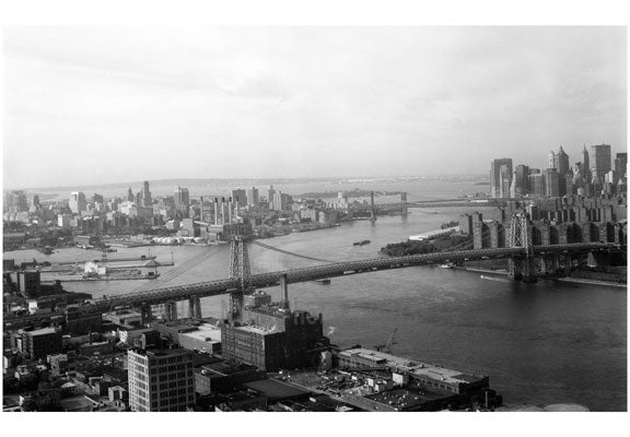 Williamsburg Bridge - from Brooklyn to Manhattan in perspective Old Vintage Photos and Images