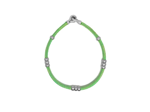 Handmade leather bracelet and choker in green.
