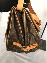 Load image into Gallery viewer, PRELOVED Louis Vuitton Mono Saumur 35 Shoulder Bag