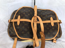 Load image into Gallery viewer, PRELOVED LOUIS VUITTON MONO SAUMUR 30 SHOULDER BAG