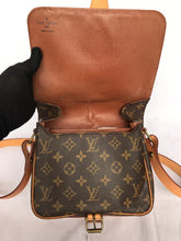 Load image into Gallery viewer, PRELOVED Louis Vuitton Mono Sac Cilt Sierre MM Sling Bag