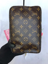 Load image into Gallery viewer, PRELOVED Louis Vuitton Mono Trousse Toiletries 23/Cosmetic Bag