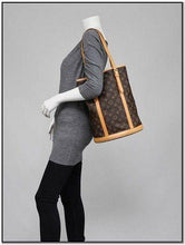 Load image into Gallery viewer, PRELOVED Louis Vuitton Mono Bucket GM Shoulder Bag