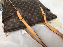Load image into Gallery viewer, PRELOVED Louis Vuitton Mono Totally MM Shoulder Bag