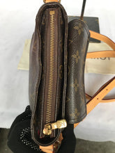 Load image into Gallery viewer, PRELOVED Louis Vuitton Monogram Vibashite Cross Bag