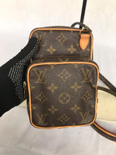 Load image into Gallery viewer, PRELOVED Louis Vuitton Mono Mini Amazon Cross Body Bag