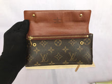 Load image into Gallery viewer, PRELOVED Louis Vuitton Mono Akurudeon Wallet
