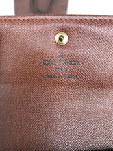 Load image into Gallery viewer, PRELOVED Louis Vuitton Mono Trifold Purse