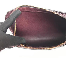 Load image into Gallery viewer, PRELOVED Louis Vuitton Baikal Taiga Dark Purple Clutch Bag