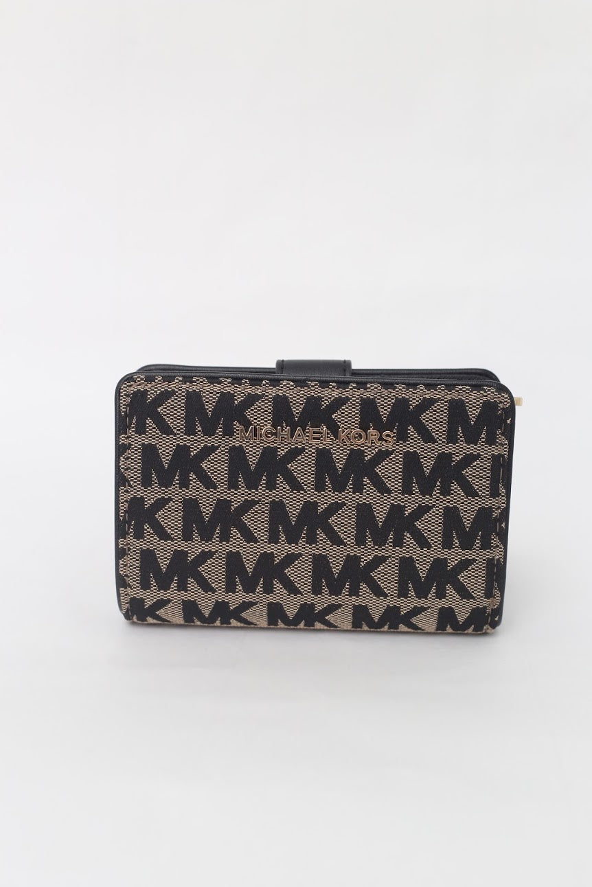 Michael Kors Jet Set Travel Medium Bifold Zip Corner Wallet (Beige/Black/Black) 35H9GTVF6J
