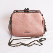 Load image into Gallery viewer, Coach Metallic Pearl Kisslock Crossbody F80186  In Dark blush