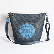 Load image into Gallery viewer, Michael Kors Large Fulton Sport Zip Bucket Messenger Bag 35F9GF0M3B In Dark Chambray Multi
