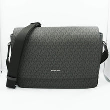 Load image into Gallery viewer, Michael Kors Harrison Messenger 37U9LHRM2B In Black