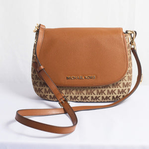 Michael Kors Bedford Medium Convertible Flap Shoulder 35H9GBF00J Beige/ Ebony/ Luggage bag