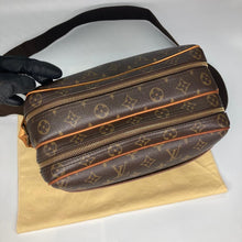 Load image into Gallery viewer, Preloved Louis Vuitton Mono Reporter PM