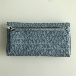 MICHAEL KORS JET SET TRAVEL LARGE TRIFOLD SIGNATURE PALE BLUE/NAVY