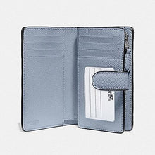 Load image into Gallery viewer, COACH MEDIUM CORNER ZIP WALLET IN CROSSGRAIN LEATHER F11484 (SILVER/STEEL BLUE)