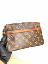 Load image into Gallery viewer, PRELOVED Louis Vuitton Compeigne 23 Clutch Bag