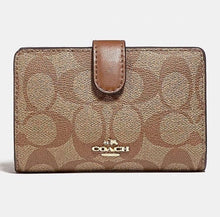 Load image into Gallery viewer, Coach Signature Medium Corner Zip Wallet F23553 (LIGHT GOLD/KHAKI SADDLE)