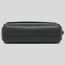Load image into Gallery viewer, Marc Jacobs Medium The Commuter M0013940 Crossbody Bag In Black