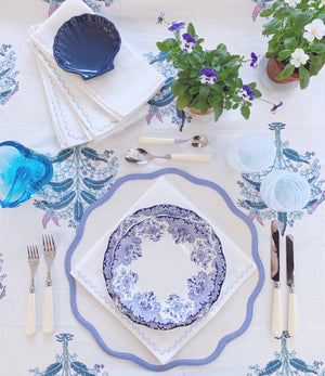 "Scalloped Placemats 16"" Round"