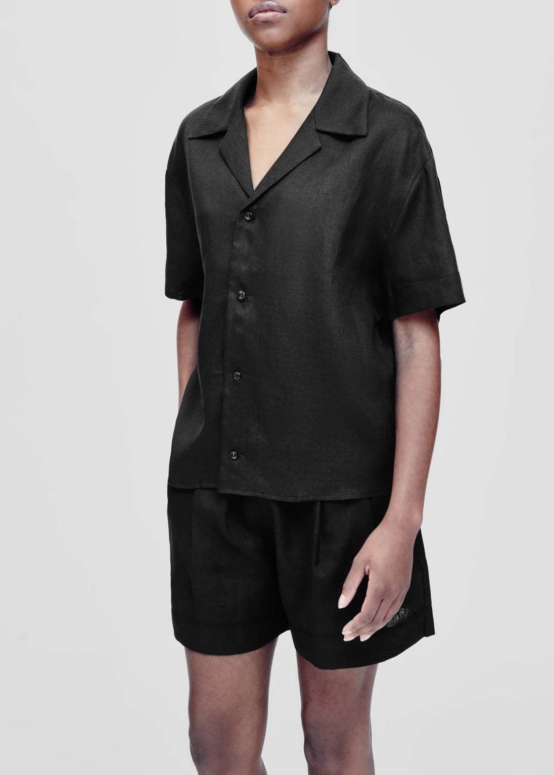 ASCENO ZURICH BLACK LINEN SHORT