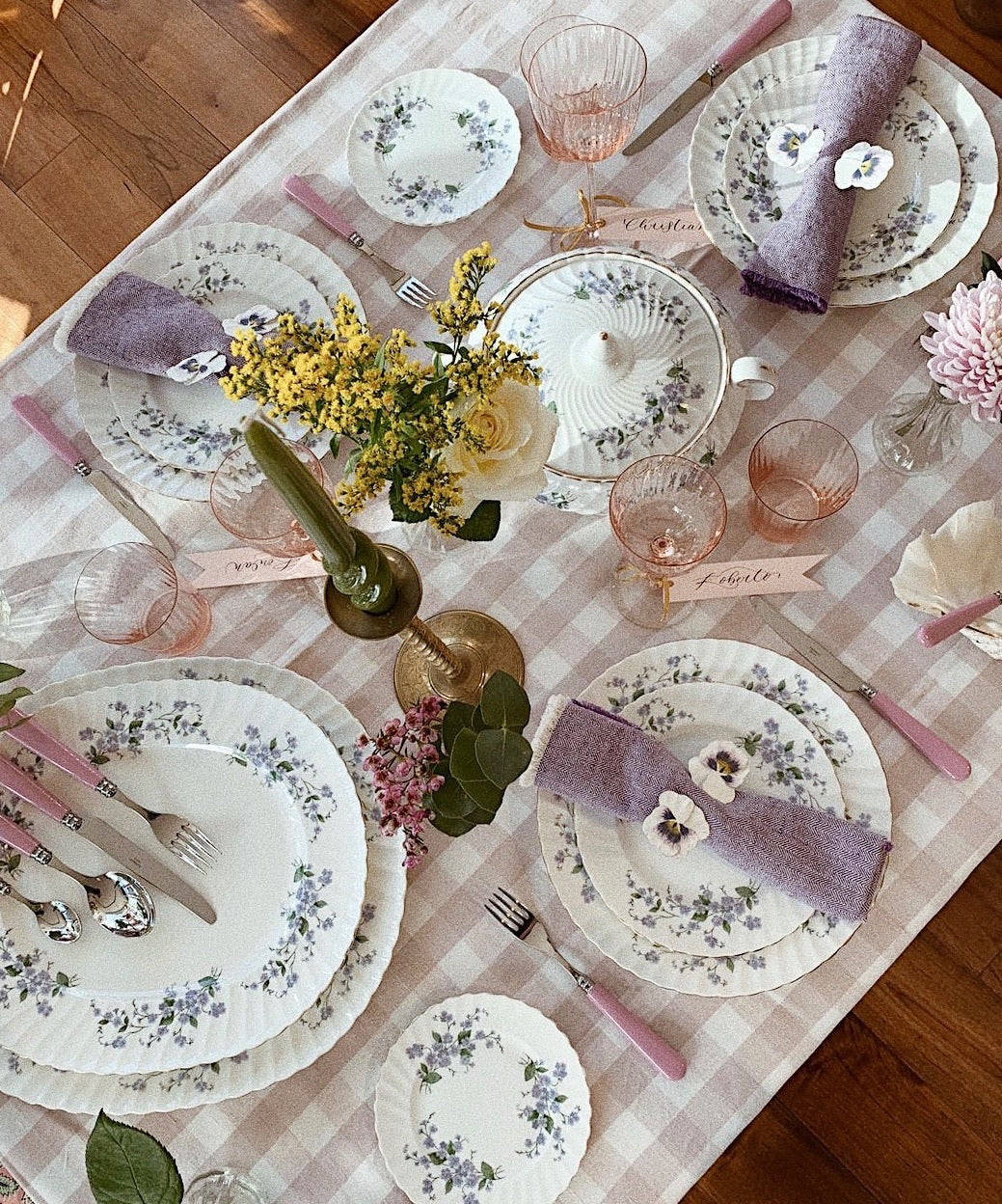 Vintage Forget Me Not 22 Piece Dinner Set
