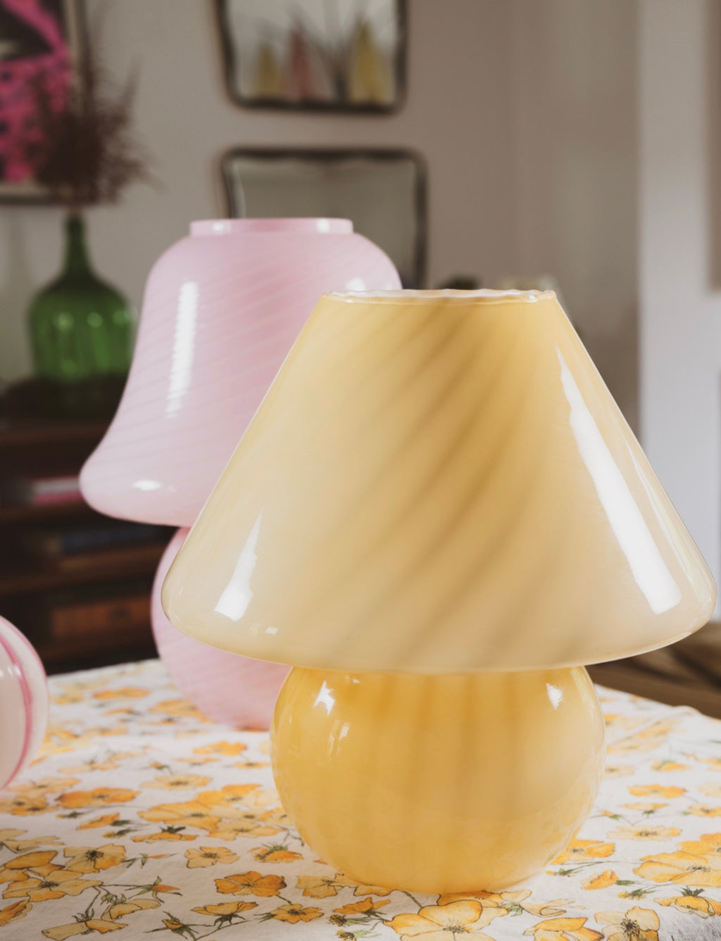 Large 1970s Vintage Yellow Glass Swirl Murano Mushroom Lamp