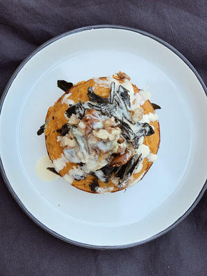 Baked pumpkin with walnuts
