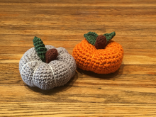 Crochet Holiday Pumpkins by Lea Rakistaba