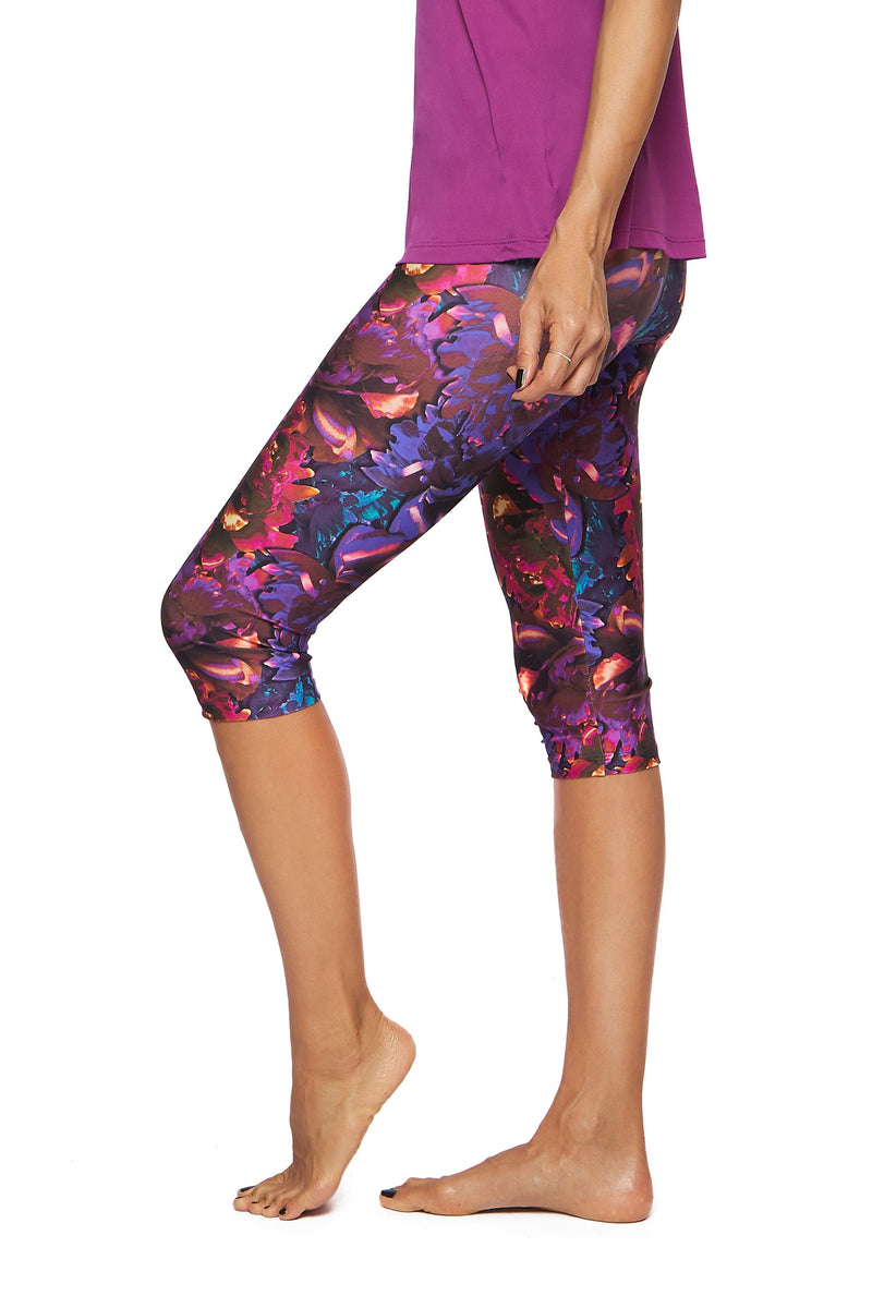 Brasilfit Australia Activewear High compression Under Knee tights in a bold floral print - side view close up