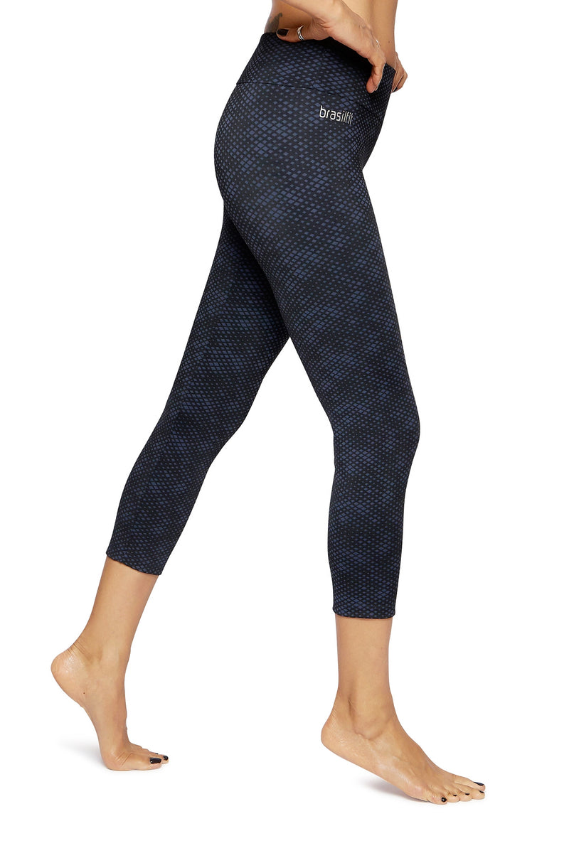 Brasilfit Australia Activewear High compression sports tights Jewel - beautiful dark navy and black geometrical chic pattern side view close up